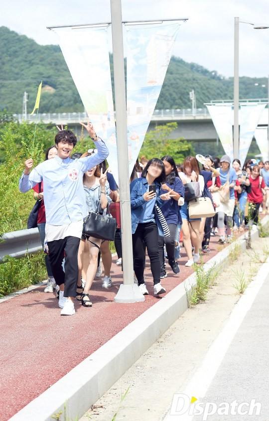 2016 9 4 Jung Il-woo Fan Meeting: Rail Trip with Jung Il-woo. Cr. Starcast, Disparch and Jung Il-woo.com 7