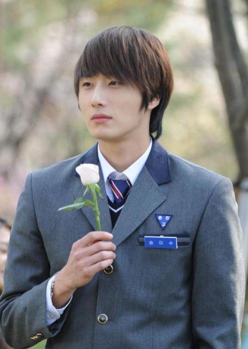 2011 Jung Il woo as Song Yi-soo in 49 Days. School Uniform. 4.jpg