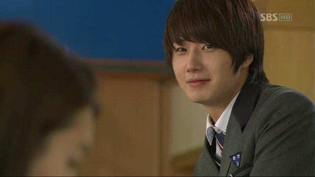 2011 Jung Il woo as Song Yi-soo in 49 Days. School Uniform. 5.jpg