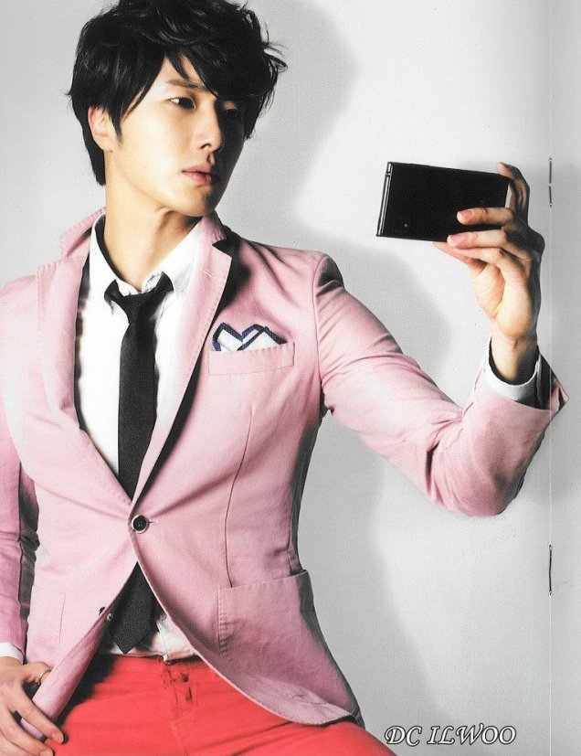 2012 5 Jung II-woo in LG Smart Phone AD photos 00021