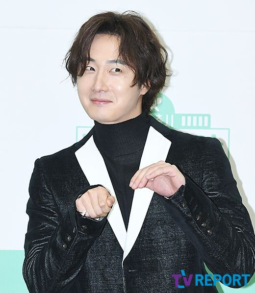 2019 10 25 Jung Il woo at the Press Conference for Convenient Restarurant KBS 2