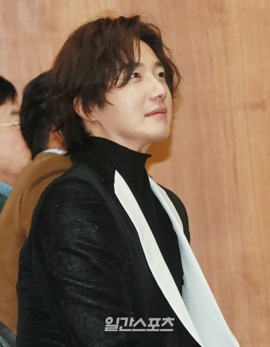 2019 10 25 Jung Il woo at the Press Conference for Convenient Restarurant KBS 21