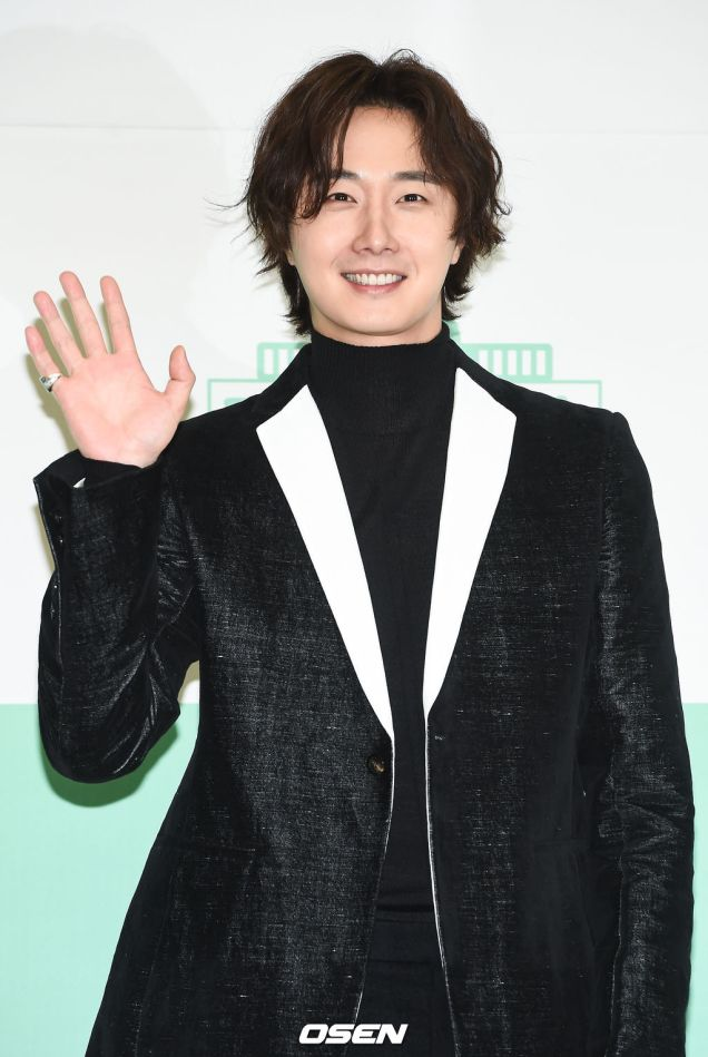 2019 10 25 Jung Il woo at the Press Conference for Convenient Restarurant KBS 4
