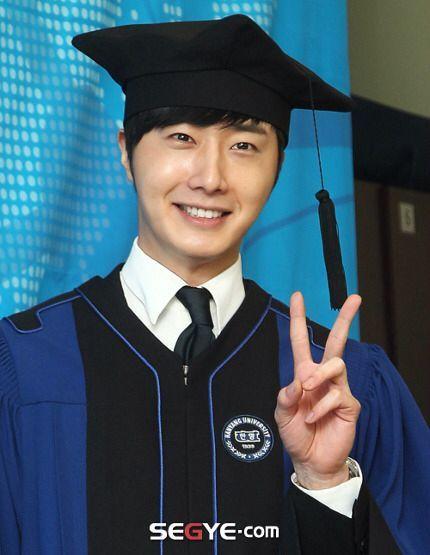 Jung II-woo's Graduation Hanyang University 2014 2 20 23