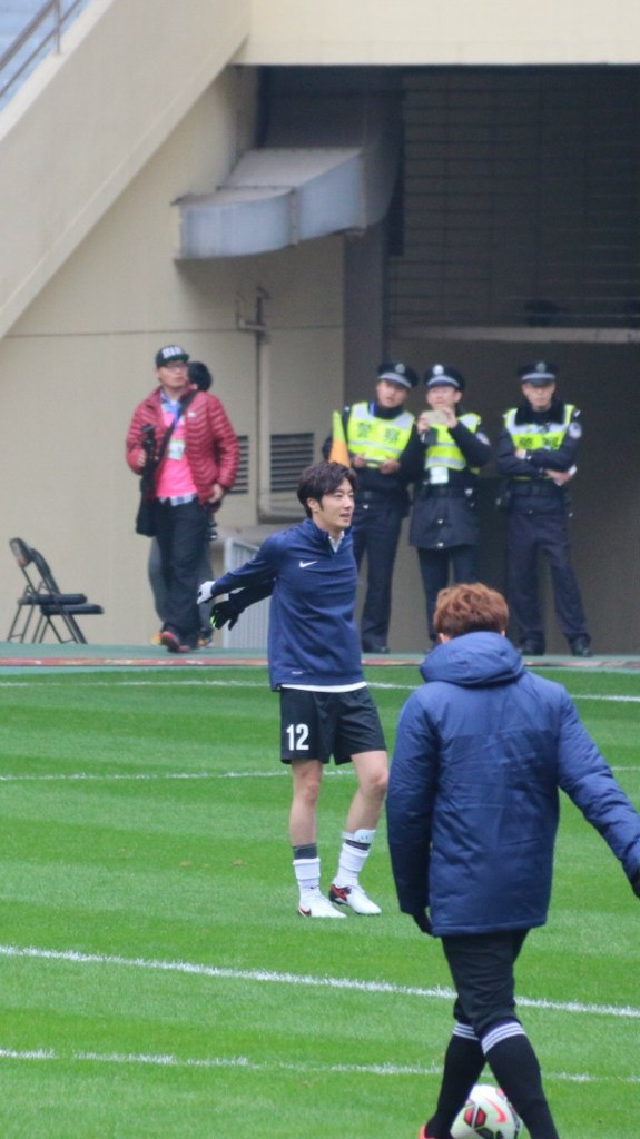 2016 1 10 Jung Il-woo playing soccer in the 2016 Asian Smile Cup. 48