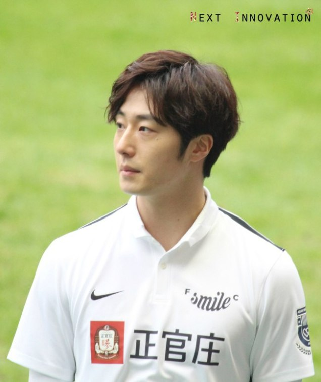 2016 1 10 Jung Il-woo playing soccer in the 2016 Asian Smile Cup. 57