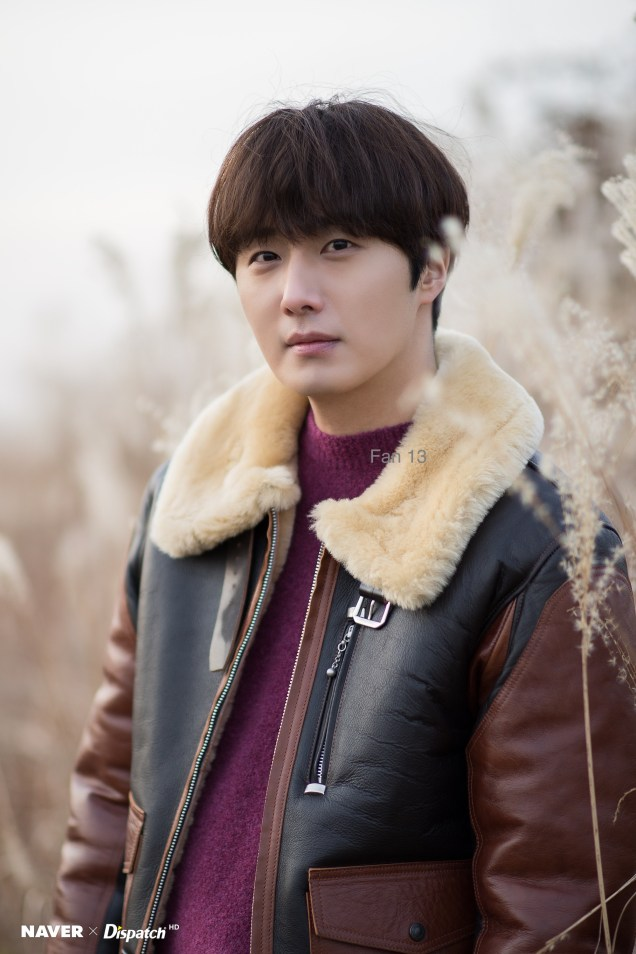 2019 12 4 Jung Il woo in a Photo Promotion for COnvenience Store Restaurant. Cr. Dispatch, Naver. 11