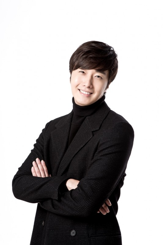 Jung Il woo in Golden Rainbow interview for Korepo. 2015 2.jpg