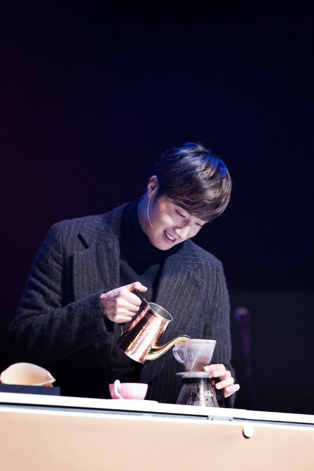 2014 11 22 Jung II-woo in his Fourth Korean Fan Meet. Cr.jungilwoo.com 40
