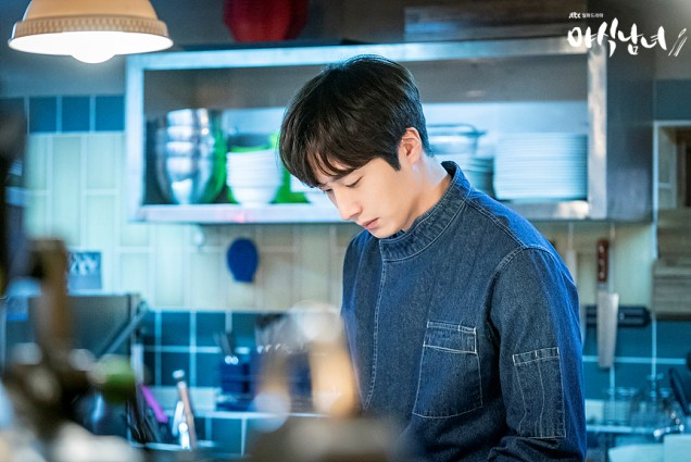 2020 5 25 Jung Il woo in Sweet Munchies Episode 1 Stills by JTBC. 4