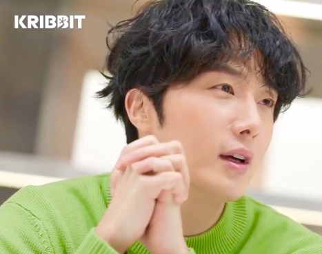 Jung Il woo in screen captures from his Kribbit Magazine, Bloom issue. 4