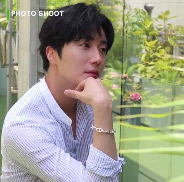 2020 6 15 Jung Il woo In Behind the Scenes pf a Photo Shoot. 5