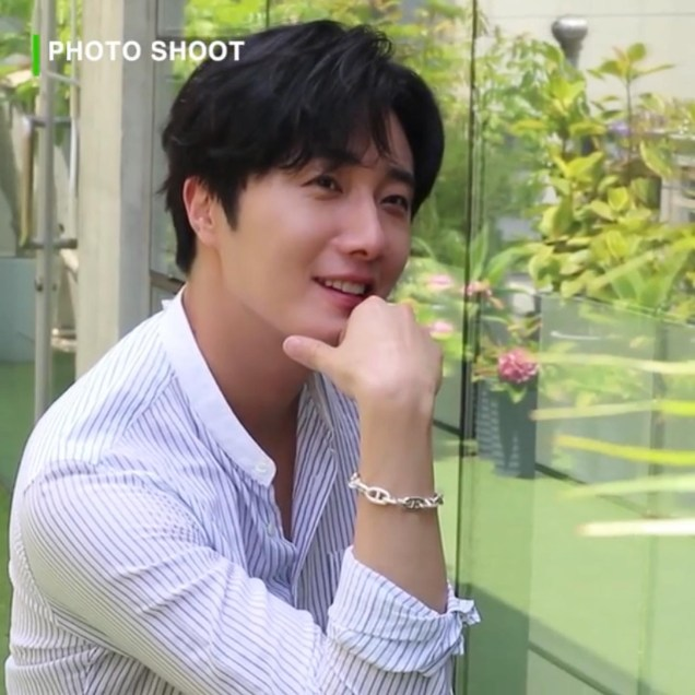 2020 6 15 Jung Il woo In Behind the Scenes pf a Photo Shoot. 9