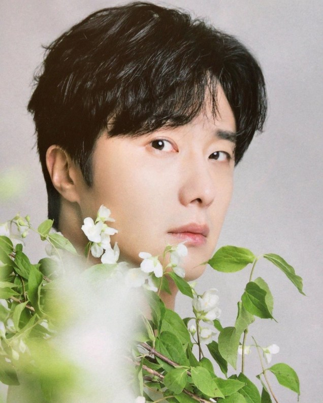 2020 9 Jung Il Woo in the magazine Korean Style Pia. 1