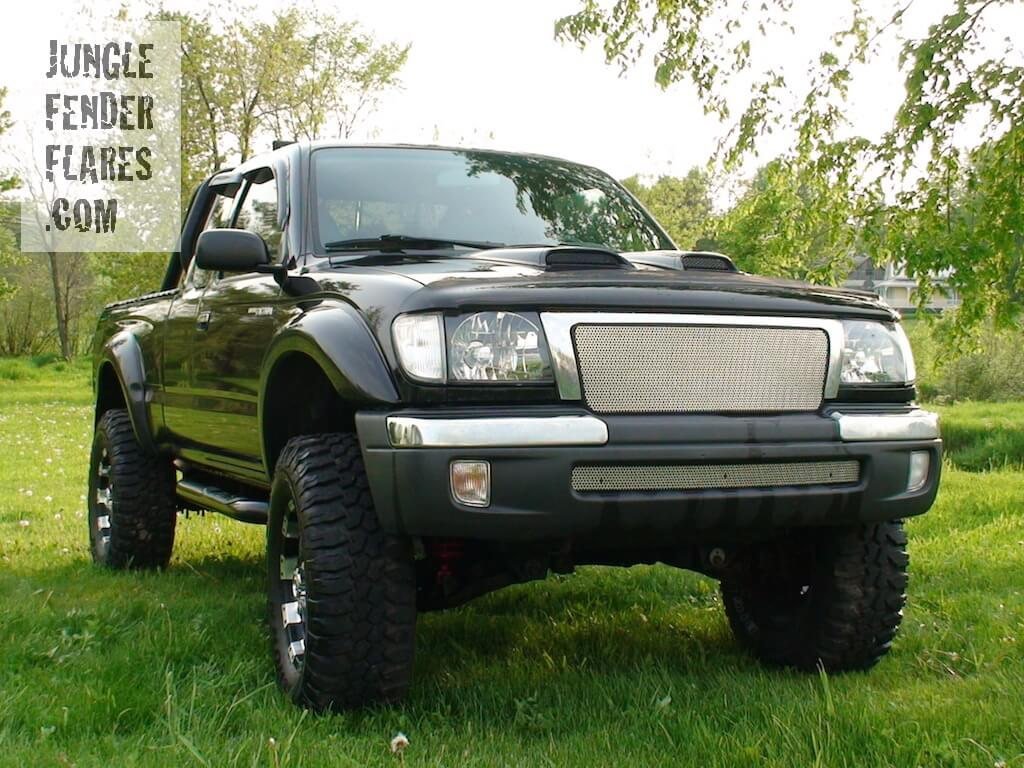 1998 Toyota Tacoma Custom lifted with fenderflares