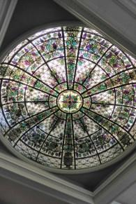 Wunderschöne Glaskuppel im Wintergarten