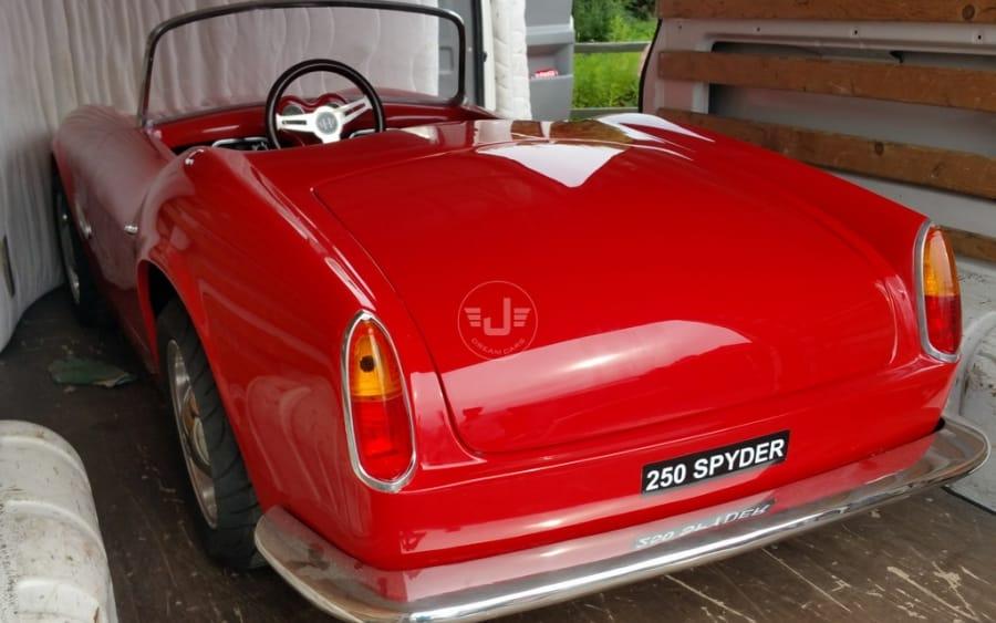 250 Spyder Rood