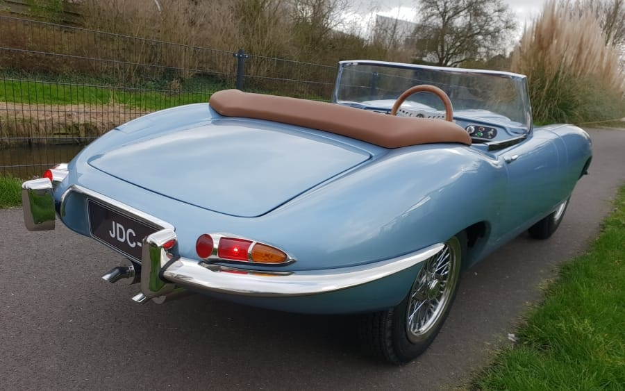 SRT Series 1 metallic blauw