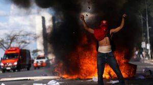 socialismo não pode existir sem um exacerbado nível de agressividade, hostilidade e violência