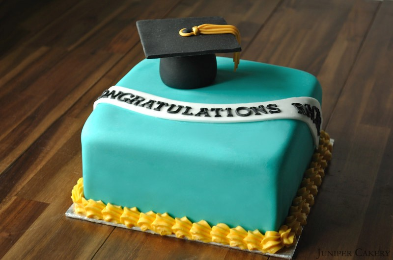 Graduation Cake by Juniper Cakery