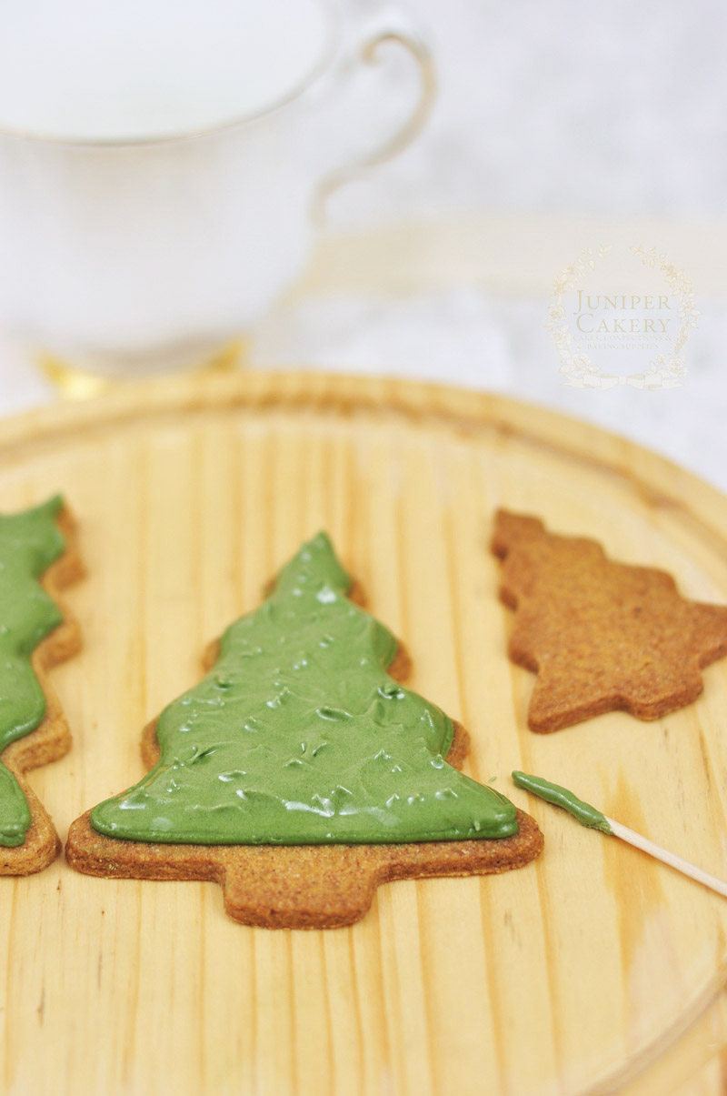 How flood ice cookies by Juniper Cakery