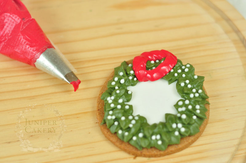 Holiday Christmas wreath cookie tutorial by Juniper Cakery