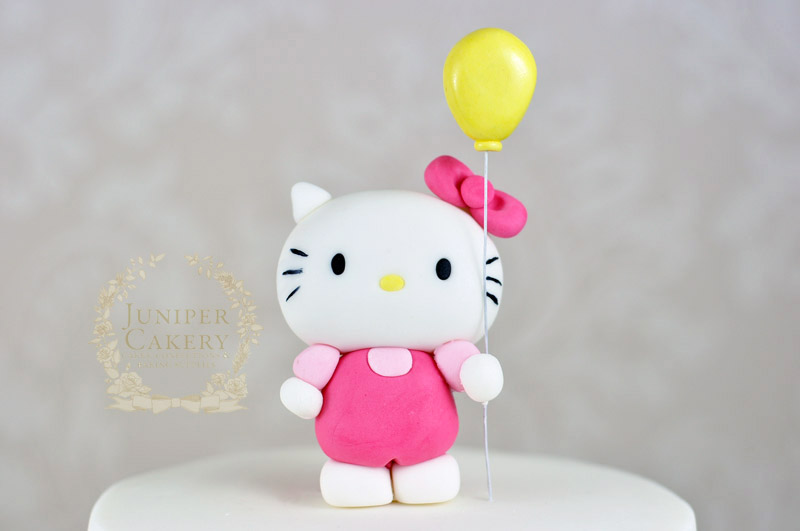 Cute Hello Kitty cake by Juniper Cakery