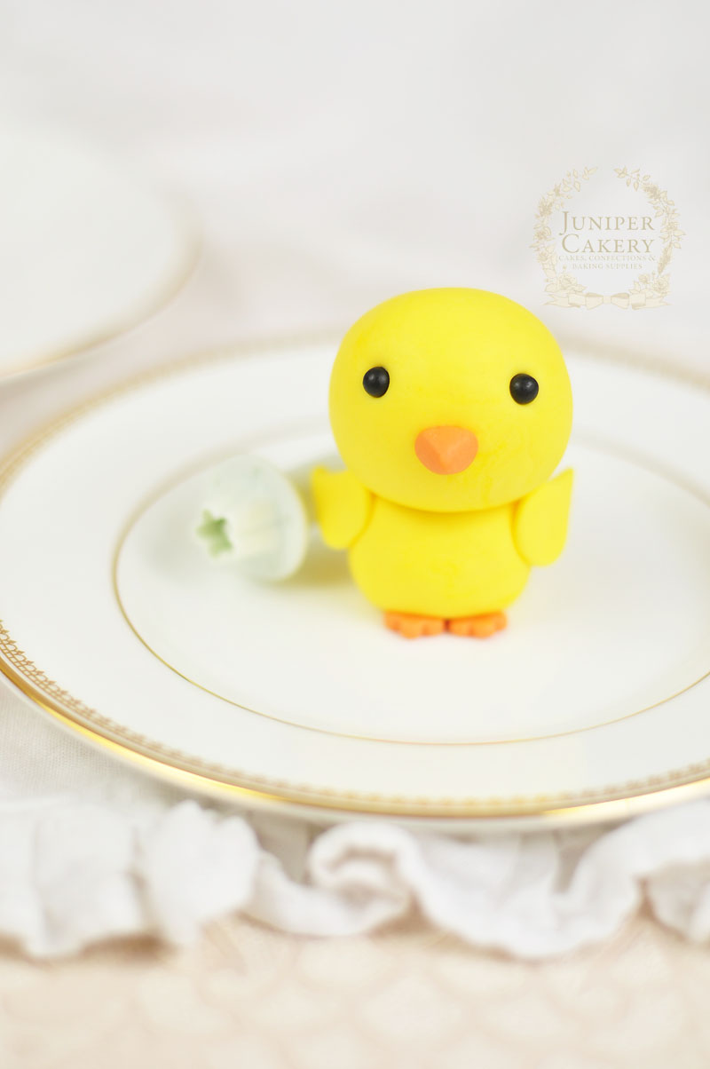 Easter sugar paste chick tutorial by Juniper Cakery