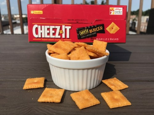 Cheez-It Cheeseburger