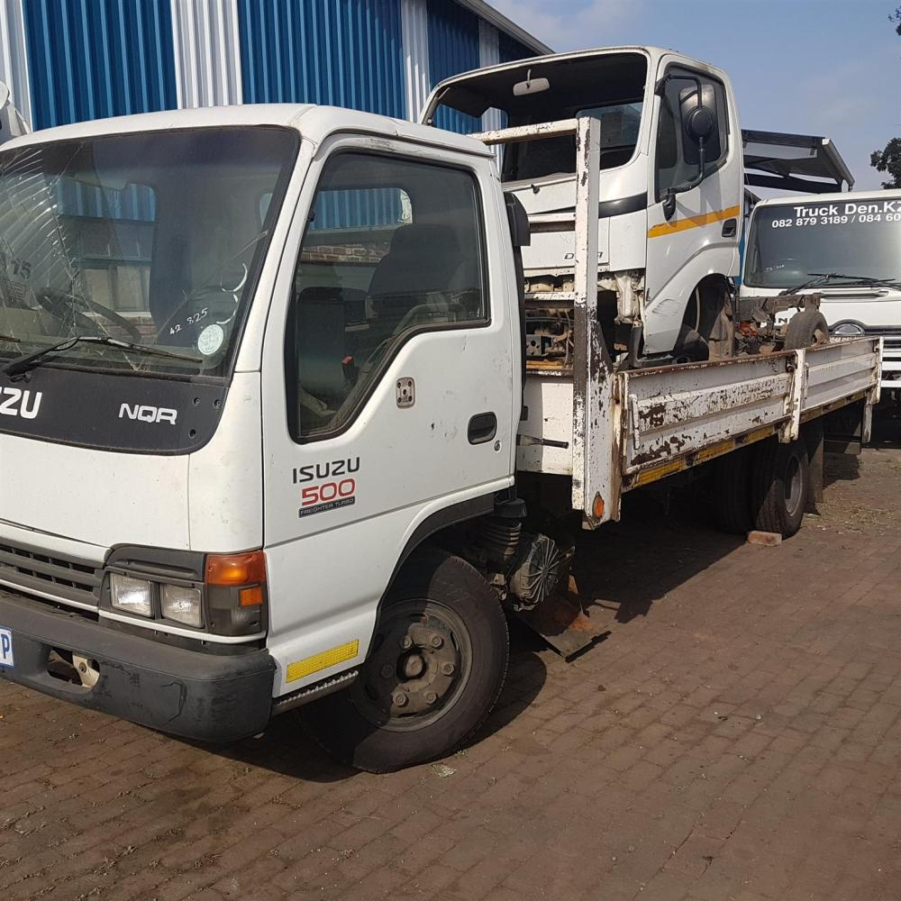 medium resolution of isuzu nqr 500 truck stripping 4 spares 4he1t engine 6 sp gear box