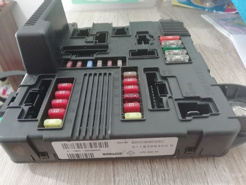 medium resolution of fuse box on a renault megane