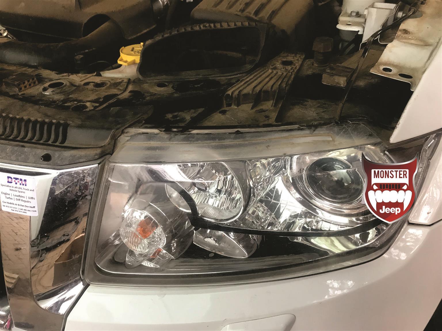 hight resolution of 2012 jeep grand cherokee wkii headlights
