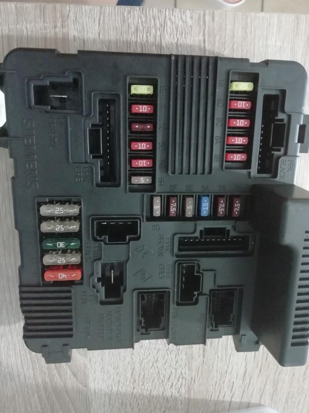 medium resolution of brand new renault scenic megane fuse box