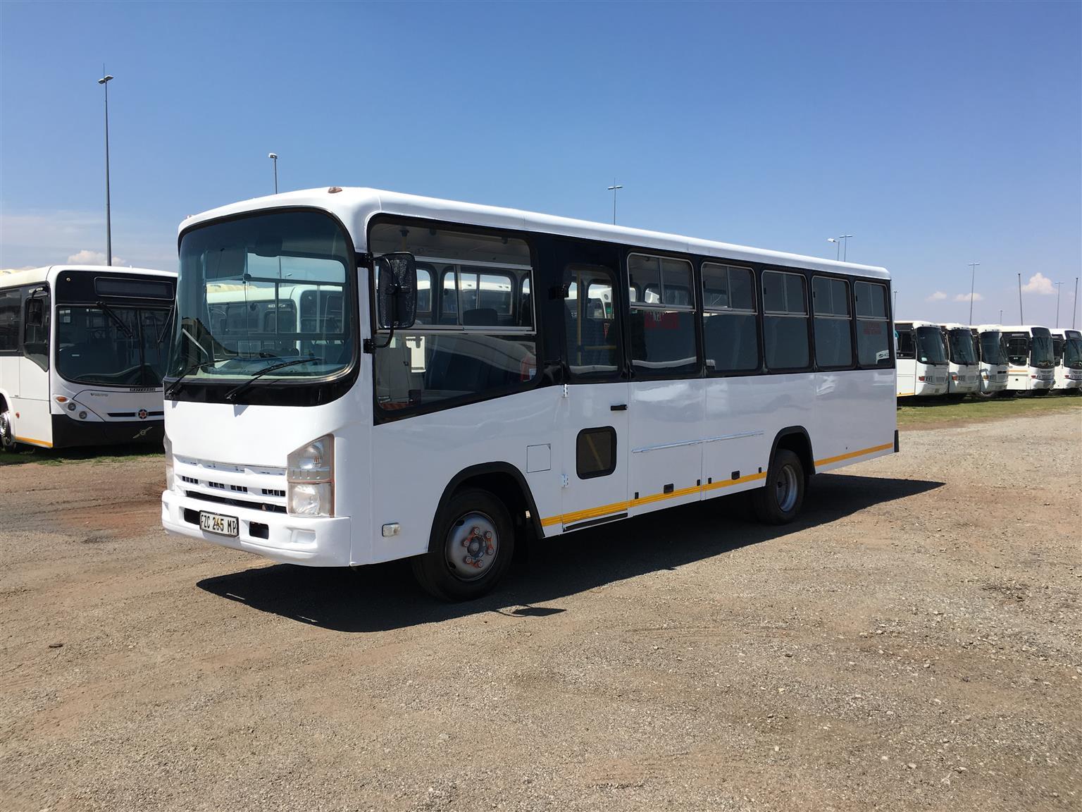 hight resolution of 2009 isuzu nqr 500 35 seater