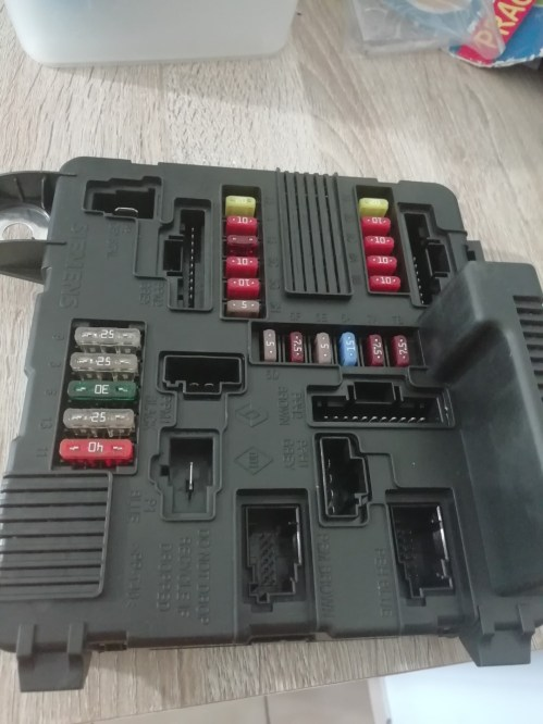 small resolution of brand new renault scenic megane fuse box