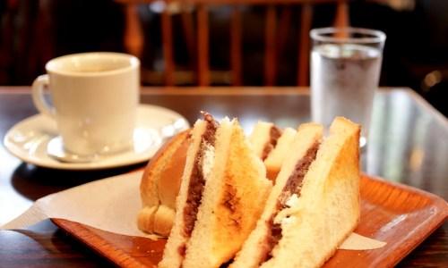 伏見『珈琲処カラス』孤独のグルメ、あんトーストでモーニング!渋くて落ち着くレトロ喫茶店