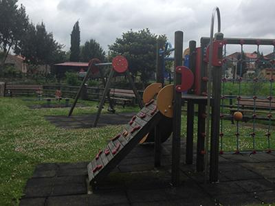 Parque-infantil-barrio-Radillo-Viérnoles