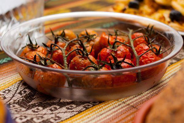 Tomates cerises en grappe confites  Les chroniques