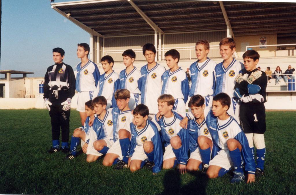 Plantilla Vadorrey InfantilB 97-98 en Villanueva