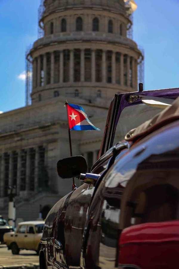Shop,Modern Art, Havana, Almdrones