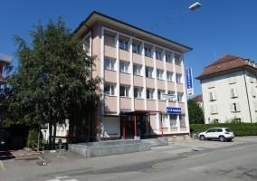 Grands bureaux modulables à Delémont