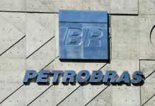 Petrobras terá de pagar R$ 10 milhões em multa por derramar petróleo na Baía de Ilha Grande Petrobras terá de pagar R$ 10 milhões em multa por derramar petróleo na Baía de Ilha Grande