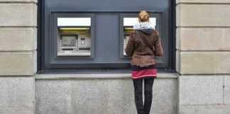 Danos Morais: Banco é condenado a pagar indenização por descontar cheque antes do prazo
