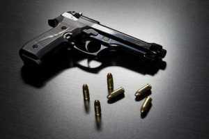 Mantida justa causa para vigilante que atirou na própria mão por negligência
