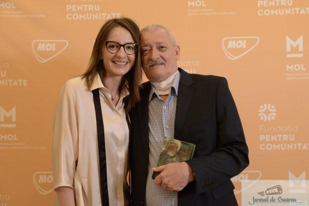 MOL Romania premiaza anual zece profesori si antrenori pentru excelenta in educatie ! Dan Podeanu este unul din castigatori ! 2
