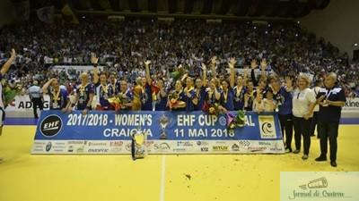 Handbal / Cupa E.H.F. : SCM Craiova pastreaza Cupa la Craiova 1