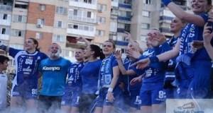 Handbal feminin: Craiovenii sunt asteptati pe esplanada Salii Polivalente pentru a fi alaturi de SCM Craiova in finala Cupei E.H.F. 1