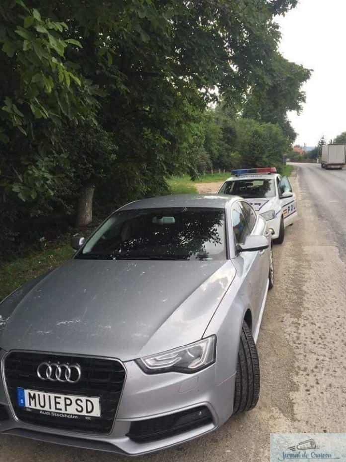 Masina inmatriculata in Suedia cu numar personalizat cu mesaj impotriva PSD, oprita de echipajele politiei 3