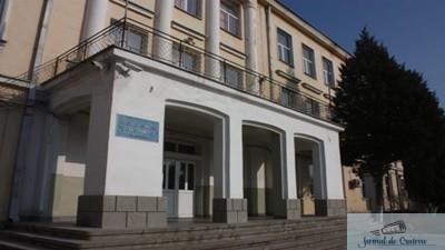 Primaria Municipiului Craiova da in administrarea Liceului Voltaire cladirea  situata pe strada Electroputere, nr. 21 1