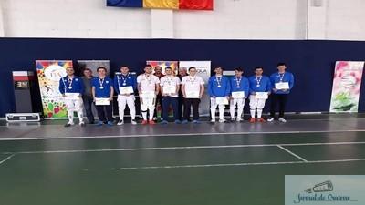 Spada : Echipa de spadasini a CSM Craiova, medaliata cu bronz la nationalele de juniori 1